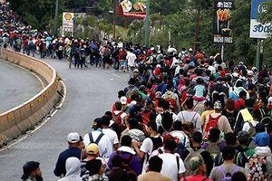 Dòng người di cư Honduras ùn ùn đổ về biên giới Mỹ - Mexico