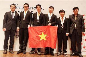 Thành tích 'khủng' của học sinh Việt Nam tham dự Olympic Quốc tế 2018