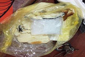 Khởi tố 'nữ quái' mua bán vận chuyển ma túy giấu trong bánh mì