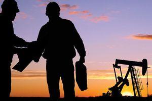 Nếu Ả Rập Xê út dùng 'vũ khí dầu mỏ', giá dầu có thể lên 150 USD/thùng