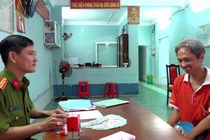 An Giang: Người đàn ông làm thuê tìm chủ nhân số tiền 50 triệu đồng bên đường