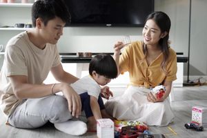 Tùng Sơn 'nhắn nhẹ' Trang Lou sinh thêm em bé