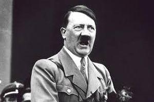 Giật mình lần chết hụt trong gang tấc của Hitler năm 1944