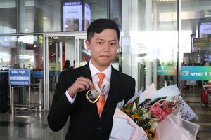 'Cao thủ tin học' Phạm Đức Thắng nhận bằng khen của Thủ tướng Chính phủ