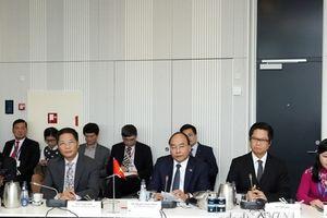 Thủ tướng đối thoại với một số doanh nghiệp, nhà đầu tư Đan Mạch