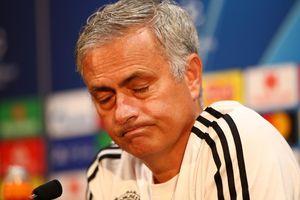Trận Chelsea-Manchester United: 'Canh bạc' tương lai của Mourinho