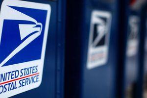 Ngành bưu chính Mỹ yêu cầu tăng giá tem thư
