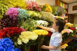Những loại hoa, bình bông tên lạ, giá gần 100 triệu dịp 20/10