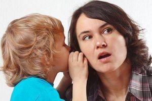 Cha mẹ vô tình tạo thói quen 'đổ thừa' khiến con thành kẻ mách lẻo