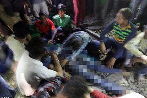 Tàu đâm vào đám đông, 58 người chết: Vì sao không nghe tiếng tàu tới?