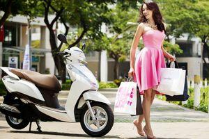 Vì sao phụ nữ thích xe tay ga, đàn ông nên biết để mua xe tặng vợ