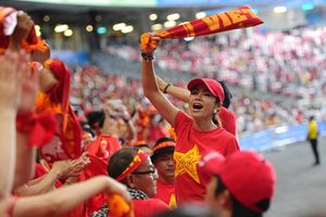 Những nữ cổ động viên đặc biệt của bóng đá Việt Nam