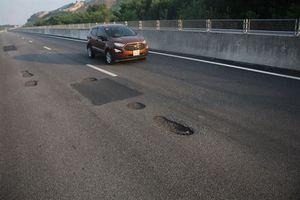 Con đường cao tốc cần có… ô che