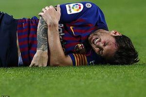 Messi gãy tay, Ronaldo ghi bàn thứ 400: Ai tiếc nuối Siêu kinh điển?