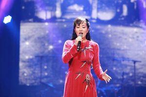 Diva Hồng Nhung gặp sự cố khi hát nhầm ca khúc 'Thu vàng'