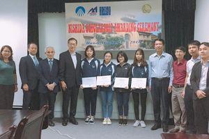 Giám đốc Nhật bỏ tiền túi trao học bổng cho sinh viên Việt Nam