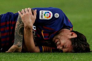 Cận cảnh chấn thương ghê rợn khiến Messi gãy tay