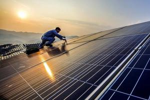 Trung Quốc: 'Cường quốc số 1' về năng lượng tái tạo