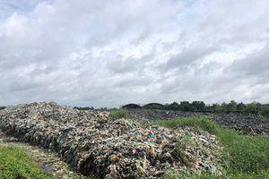 Bãi rác tạm nằm trong rừng phòng hộ rất xung yếu ở Cà Mau
