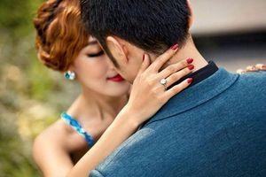 Lòi tội ngoại tình, chồng đổ riệt bị em kết nghĩa cài 'bẫy tình'