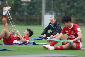 Đấu đội bóng cũ Xuân Trường, thầy Park lộ chiêu đá AFF Cup?