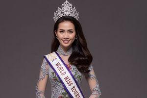Hoa hậu Phan Thị Mơ nền nã với áo dài ren xuyên thấu
