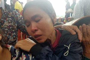 Chị gái khóc nghẹn nói về cuộc sống khó khăn của gia đình 4 người chết