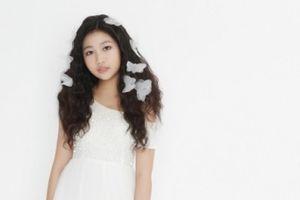 Khi công chúa nhỏ hóa cánh bướm xinh đẹp – Câu chuyện tình mẹ con ý nghĩa trên sàn diễn Vietnam International Fashion Week