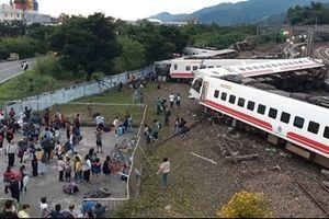 Hiện trường tang thương vụ tai nạn tàu cao tốc ở Đài Loan