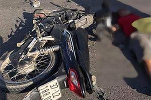 Hai xe máy đâm nhau, 2 người chết 1 người bị thương