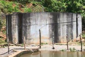 Khát bên công trình cấp nước tiền tỷ