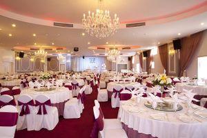 Dịch vụ tiệc cưới đắt khách