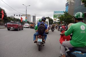 Grab Bike bịt biển số khi tham gia giao thông: Phải xử lý nghiêm lái xe vi phạm