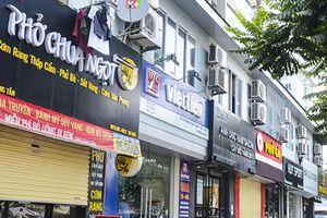 'Đồng phục biển hiệu' ở Hà Nội sau 2 năm đã tự 'thay áo'