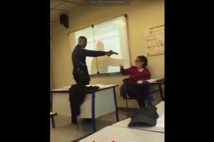 Nước Pháp rúng động vì học sinh dùng súng đe dọa giáo viên