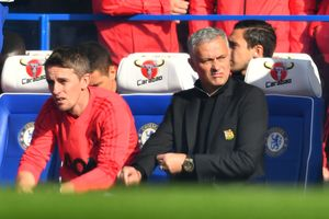 HLV Mourinho tiến hành điều tra 'nội gián' ở M.U