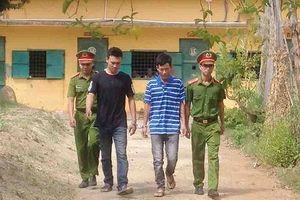 Nhóm thanh niên bắt cóc 2 bố con để đòi nợ