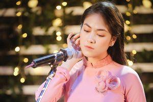 Rơi nước mắt với MV về mẹ của ca sĩ Tuyết Nga