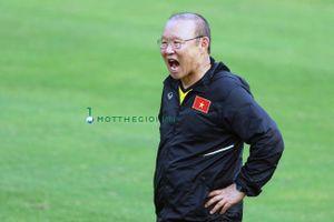 Thầy Park tìm 'bộ cánh mới' cho tuyển Việt Nam