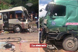 Xe đầu kéo tông toác đầu xe khách ở Sơn La, 12 người bị thương