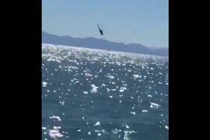 Mexico: Trực thăng chở 12 người cắm thẳng đầu xuống biển