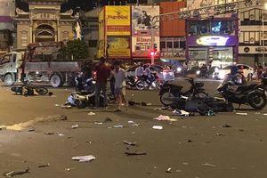 Xe 'điên' BMW gây tai nạn liên hoàn, nhiều người thương vong