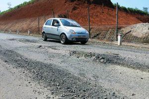 Tỉnh Gia Lai yêu cầu kiểm tra, khắc phục đường trăm tỷ hư hỏng