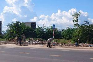 Nha Trang: Dọn sạch xà bần tràn đường sau phản ánh của Báo