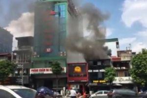 Hà Nội: Cháy lớn ở quán ăn trên đường Kim Mã