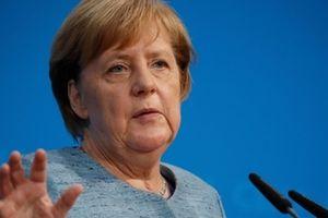 Bà Merkel tuyên bố cứng rắn tạm dừng xuất vũ khí sang Saudi Arabia
