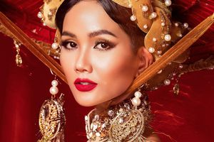 Hoa hậu H'Hen Niê lựa chọn trang phục dân tộc đến với Miss Universe