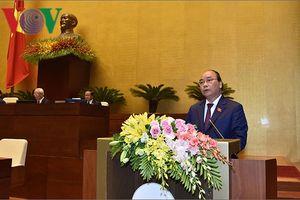 Thủ tướng: Khắc phục ngay các bất cập trong thi cử, sách giáo khoa