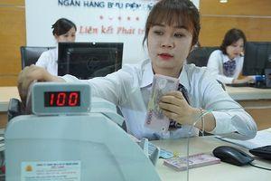 Chín tháng đầu năm, nhiều ngân hàng lãi lớn nhờ hoạt động dịch vụ