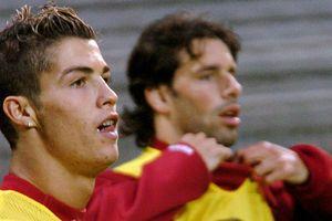 Ronaldo tái ngộ MU: Ngày về của kẻ truyền cảm hứng vĩ đại